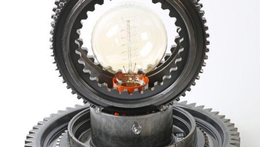 design lampada da tavolo FB 86 FB-86 con materiali di recupero